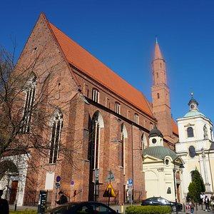 Exterior da  igreja de São Vicente (Katedra greckokatolicka pw. św. Wincentego i św. Jakuba)
