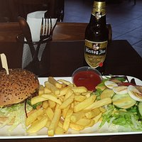 Burger was to die for, Chips not greasy just right and the salad extremely fresh and crunchy. Beer was a local quality one and 2 euros unlike the Hotels near by which charge 5 euros.