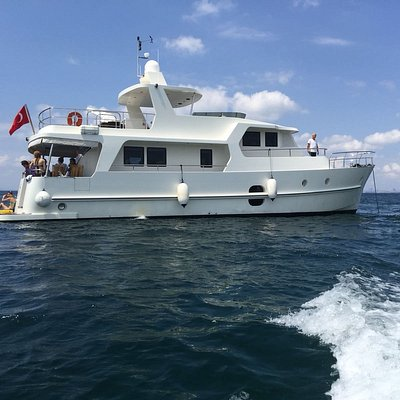 Nesrin Hanim Trawler at Istanbul Islands Cruise ( Swimming Break for the Visitors )