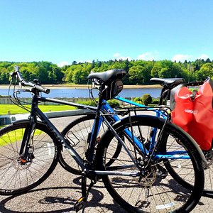 Our brand new 2019 model Giant touring bikes can be equipped with Ortlieb rear panniers, handlebar bags, map cases or other equipment to meet your needs.