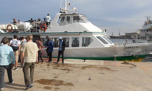 Boarding the Ferry for a 30 mn ride to Goree