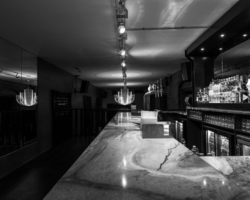 Yo Bar - Yo Bar offers a more intimate setting, separate from the main room. With it's own Private Bar and DJ Box; this space is ideal for Birthdays, Hen Dos and general Celebrations.