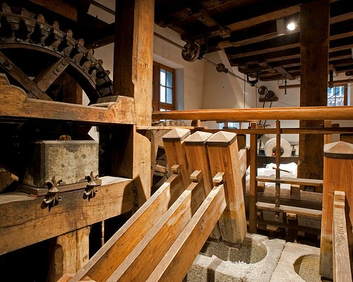 Stampfwerk im Mühleraum