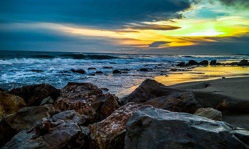 El Mediterráneo te da la bienvenida en las playas de Calafell.