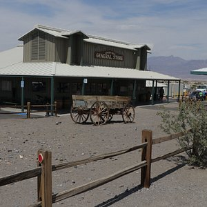 Stovepipe Wells General Store (2)