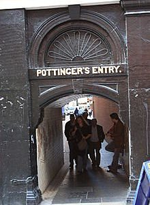 Entrance to Pottinger's Entry between Ann and High Streets
