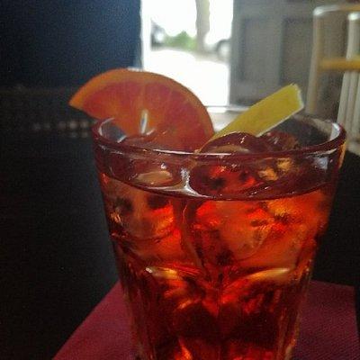 BELVEDERE - Drinks & Music