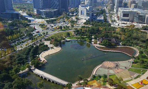 Taizhou has many beautiful parks, with the administrative center of Jiaojiang having the more popular.