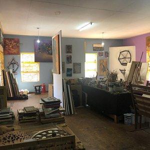 Wayiwayi Art Studio and Gallery