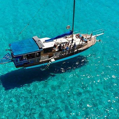 Turquoise Bay Polyaigos Island