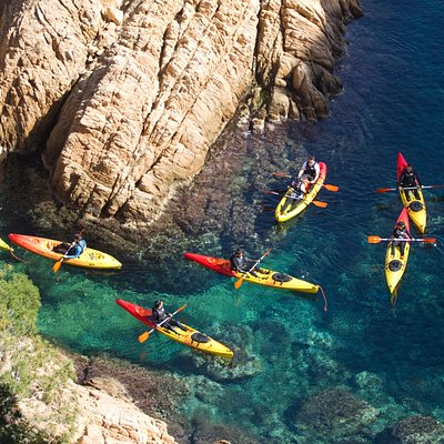come and trie our guided kayak tour dicover the Costa Brava!