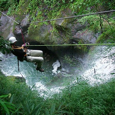 Waterfall Zip Line Tour with 2 Rappels