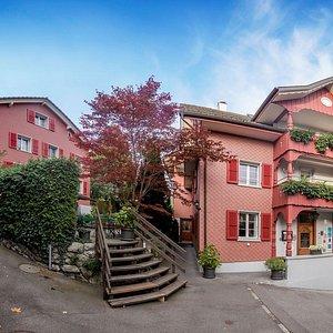Boutique-Hotel Schlüssel idyllisch zwischen See & Bergen in Beckenried. Fein essen und gut schla
