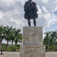 Estatua de Fray Nicolás de Ovando