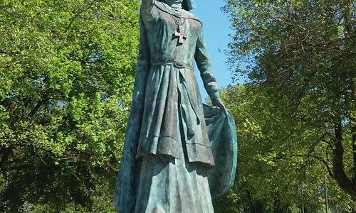 Estátua de Dona Teresa