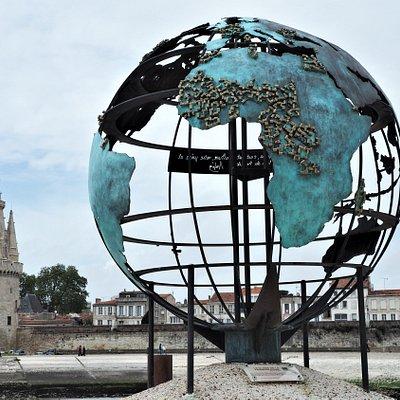 Globe de la Francophonie