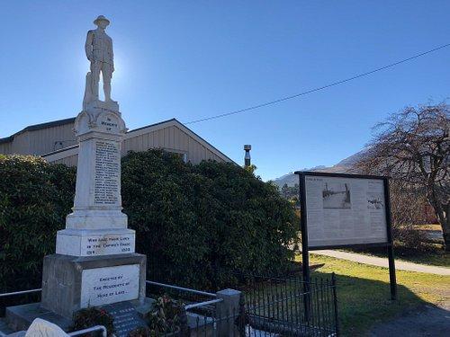 Glenorchy war memorial