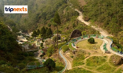 The garden offers a spectacular ambiance which has the houses wide varieties of Flora. The garden is equipped with a beautiful natural waterfall, cutting rock benches and the lake adds beauty on the Garden. The garden is a 10km distance from the Darjeeling town and it is a new addition of sightseeing in Darjeeling.