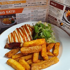 Hunters chicken with chips