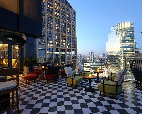 Mojjo RoofMojjo Rooftop Lounge & Bartop Lounge & Bar