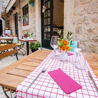 Charming Trattoria Carmen (Dubrovnik, Old City)