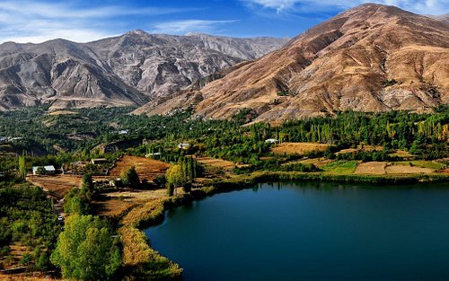 A vast view of beautiful nature in Iran. Araparvaz soha Travel Agency is here to help you discover these wonderful places.