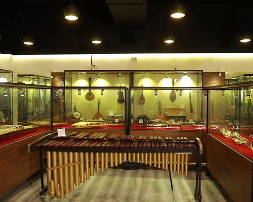 Strings Museum is a museum of musical instruments having a permanent collection of more than 200 instruments from various countries spanning many centuries.