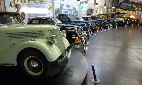 EXPO RENAULT - MUSEE AUTO VALENCAY