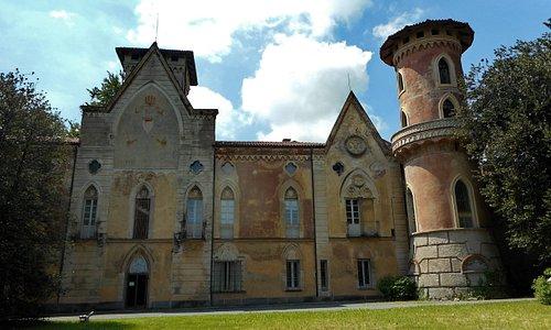 Vista frontale dello splendido castello