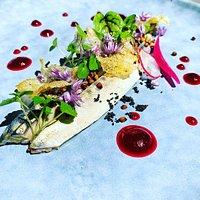 maquereaux en escabèche aux zestes de citron vert, gel betterave / vinaigre de framboise, sarrasin grillé entrée du jour menu à 19€