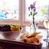 Locally sourced fresh mussels, a wedge of lemon and crusty bread - maybe a cheeky glass of Pinot to accompany!!