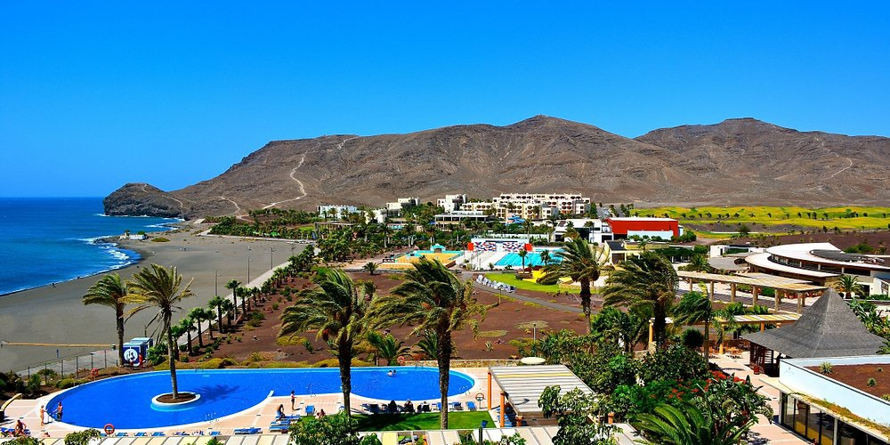 Europe's leading Sports Resort is located right on the beach in a picturesque bay next to the fishing village of Las Playitas in the Southeast of Fuerteventura.
