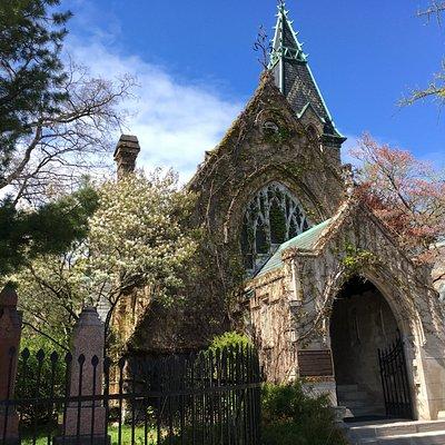 Necropolis chapel