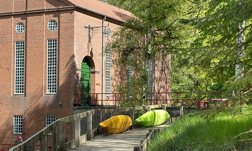 Located only 3 km from Kolding City, Hartevaerket happens to be the first major hydropower plant ever built in Denmark (1918-1920). The plant is still in use today and contributes to 1% of Kolding's electrical needs.