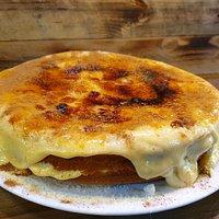 Tarta casera de crema catalana