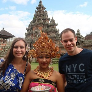 Balinese Costume Photo Tour is a unique tour to take pictures using traditional Balinese clothes. This tour is an exclusive tour by providing opportunities for you to wear beautiful Balinese