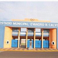 """Em 2015, o """"Príncipe da Noroeste"""", assim como é chamado o Estádio Municipal Evandro B. Calvoso, foi totalmente recuperado, desde as arquibancadas que ganharam novas coberturas, a iluminação, vestiário, gramado, acessibilidade e demais itens."""