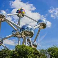Are you a visitor looking for a professional, experienced and qualified Belgian guide who gives you up-to-date information about the city's past, present and future?   We are the only Brussels based company who can provide this comprehensive service. Join our afternoon Atomium walking tour!