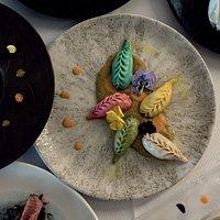 Culurgiones ripieni di Gorgonzola Sardo, con una base di crema di patate e cozze con emulsione al pomodoro Pachino