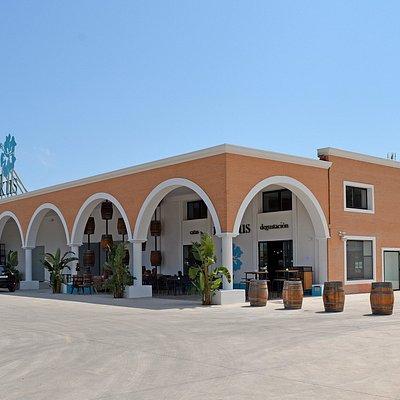 Ibizkus winery, café tasting room and store