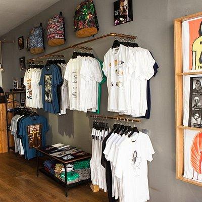 Tienda ANOTHERGREATSHOP Camisetas Originales y Exclusivas Calle Carders, 22 - Barcelona