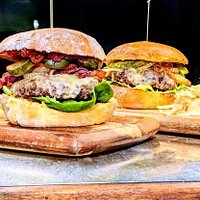 Burger and a pint night every Monday and Tuesday for £10.99!