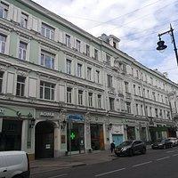Доходный дом М.И. Коровина на ул. Петровка, 19.