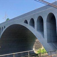 御茶ノ水にある橋です。