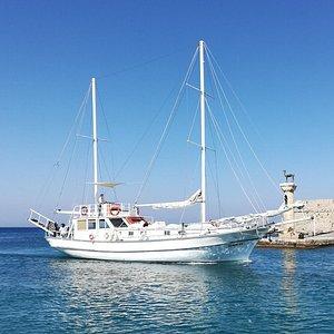 Romantika entering Mandraki port