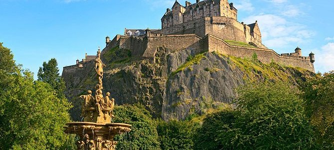 Private Scottish Castle Tours with Chauffeur