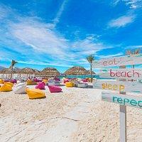 B12 Beach Club