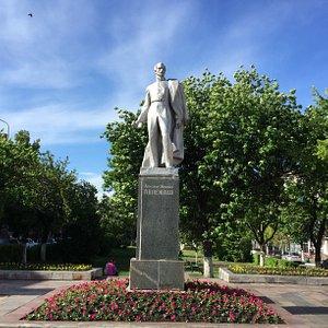 Памятник А.И. Полежаеву