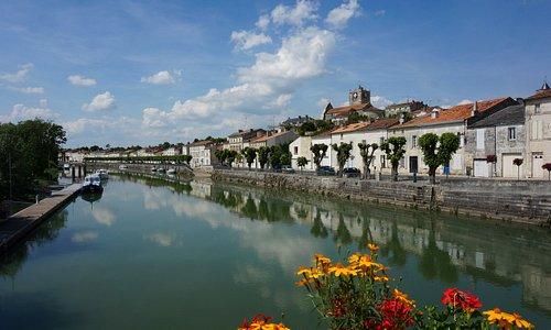 Saint Savinien sur Charente : Une jolie petite bourgade qui mérite un détour ...