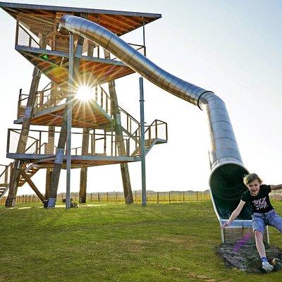 Uitkijktoren met glijbaan